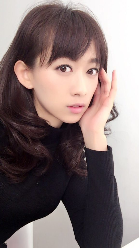 ファッションモデルの岡寛恵さん
