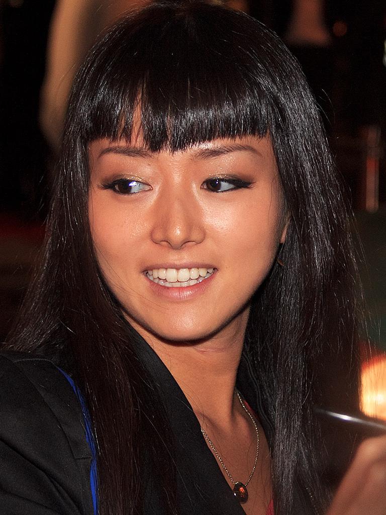 黒髪の岡寛恵さん