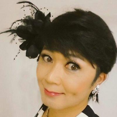 髪のアクセサリーが素敵な岡寛恵さん